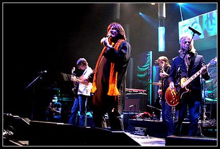 2004-01-23 - The Soundtrack Of Our Lives spelar på Stora Teatern, Göteborg