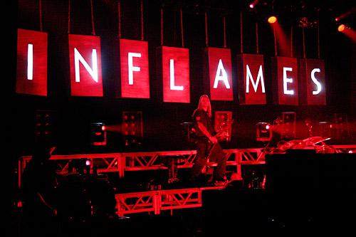 2004-04-16 - In Flames spelar på Lisebergshallen, Göteborg