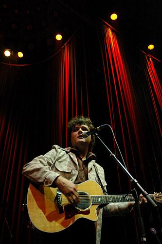 2004-09-22 - Ron Sexsmith performs at Nalen, Stockholm