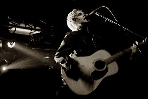 2004-10-01 - Alexander Durefelt spelar på Sticky Fingers, Göteborg