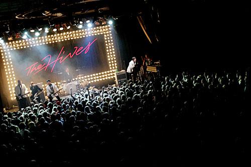 2004-10-31 - The Hives spelar på Trädgår'n, Göteborg