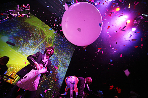 2006-05-02 - The Flaming Lips performs at Cirkus, Stockholm