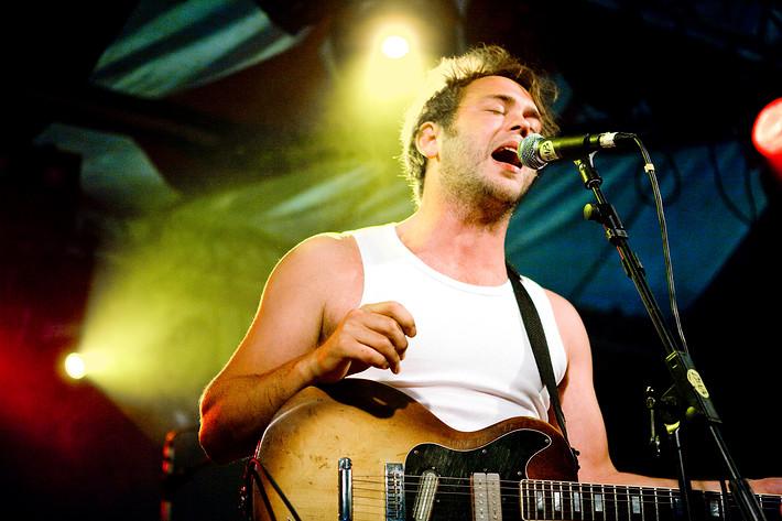 2008-07-31 - Joel Alme spelar på Storsjöyran, Östersund