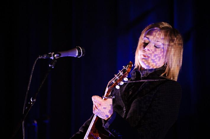 2008-12-06 - Anna Ternheim performs at Babel, Malmö