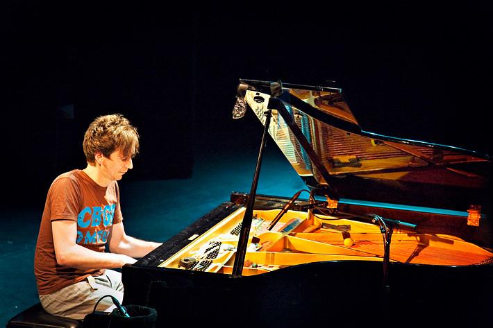 2009-01-17 - Hauschka performs at Södra Teatern, Stockholm
