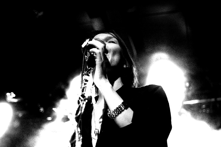 2007-12-12 - Anna Järvinen performs at Kägelbanan, Stockholm