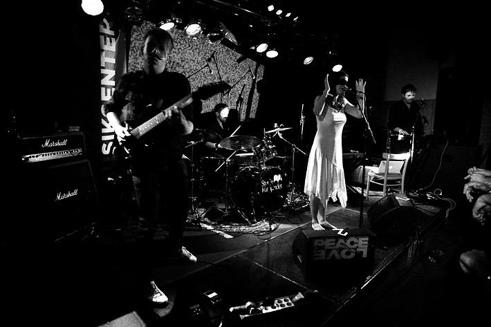 2009-06-26 - Baron Bane spelar på Peace & Love, Borlänge