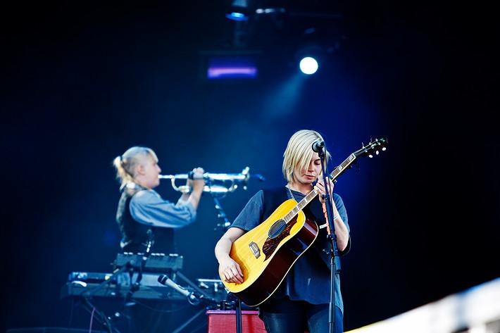 2009-06-27 - Anna Ternheim performs at Peace & Love, Borlänge
