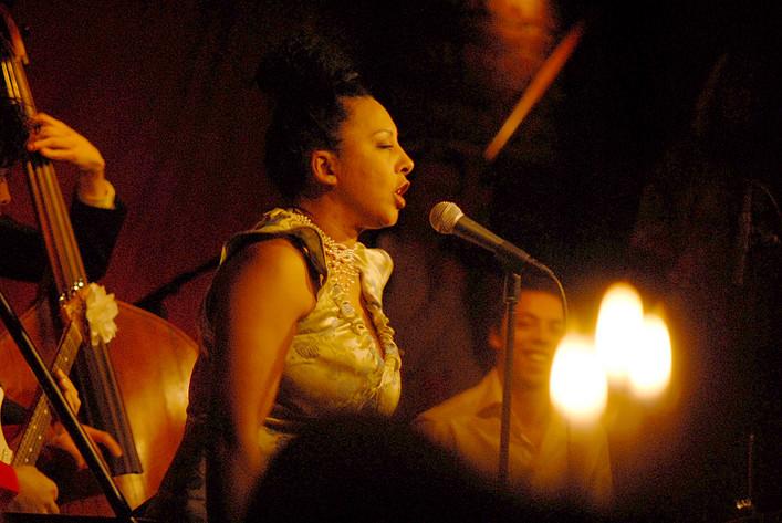 2010-01-16 - Elisabeth Kontomanou performs at Fasching, Stockholm