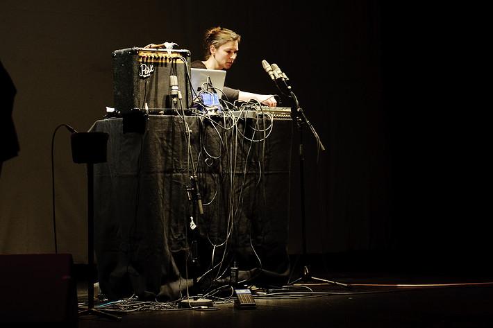 2010-01-16 - Lilian von Haussen performs at Södra Teatern, Stockholm