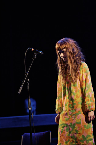 2011-01-24 - Sonja Åkesson tolkad av spelar på Södra Teatern, Stockholm