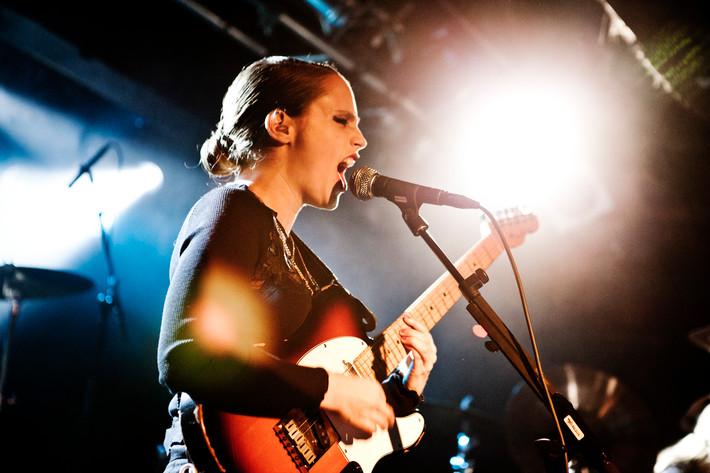 2011-10-12 - Anna Calvi spelar på Debaser Slussen, Stockholm