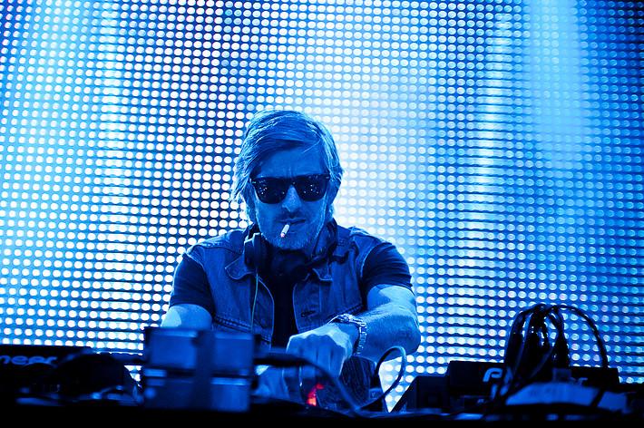 2012-05-26 - Kavinsky spelar på Dans Dakar, Stockholm