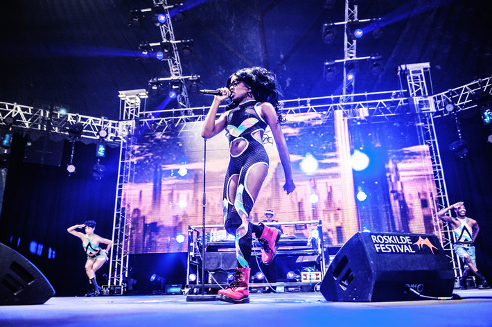 2013-07-07 - Azealia Banks performs at Roskildefestivalen, Roskilde