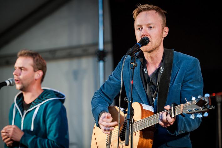2013-08-31 - Axel Sondén & flyttfåglarna performs at Växjö Visfestival, Växjö