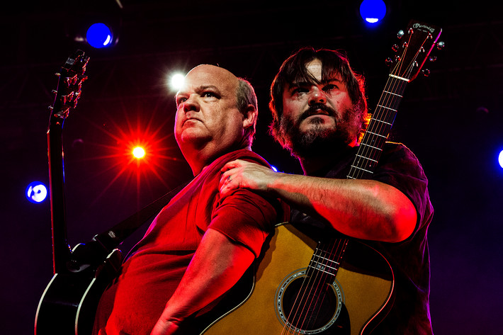 2015-02-14 - Tenacious D performs at Arenan, Stockholm