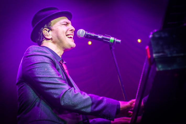2015-11-07 - Gavin DeGraw performs at Lisebergshallen, Göteborg