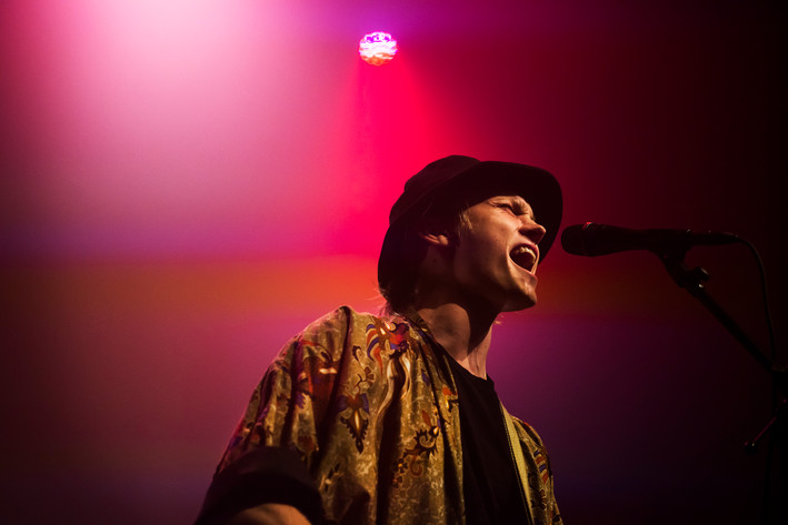 2015-11-07 - Ulrik Munther spelar på Sagateatern, Umeå