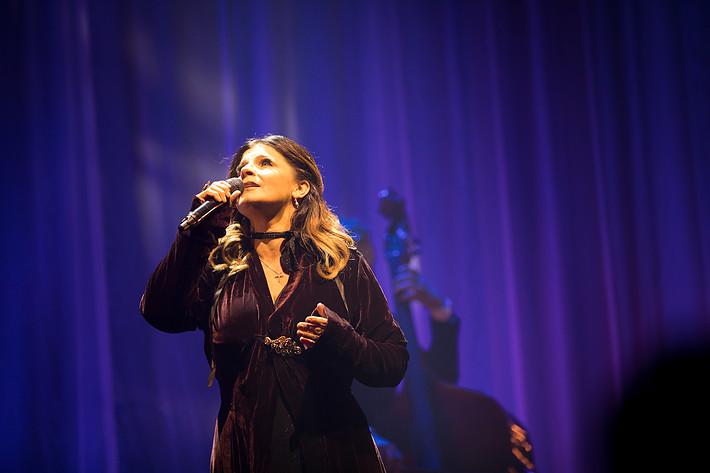 2016-12-01 - Carola spelar på Filadelfiakyrkan, Stockholm