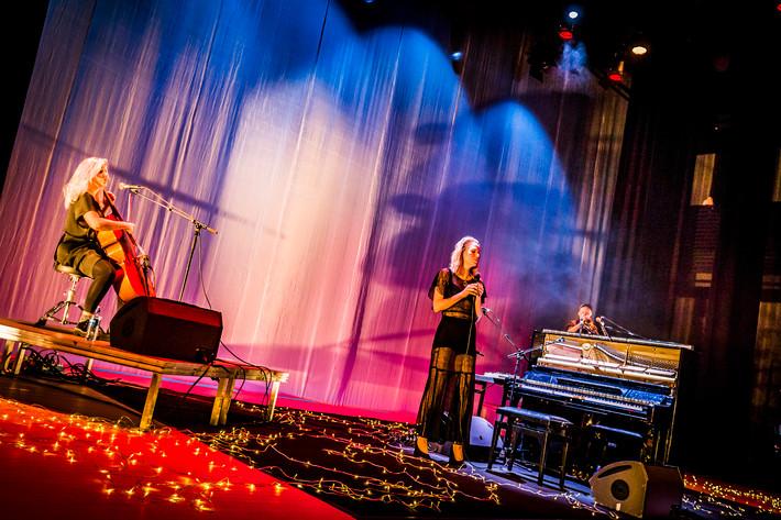 2016-12-10 - Frida Hyvönen spelar på Väven, Umeå