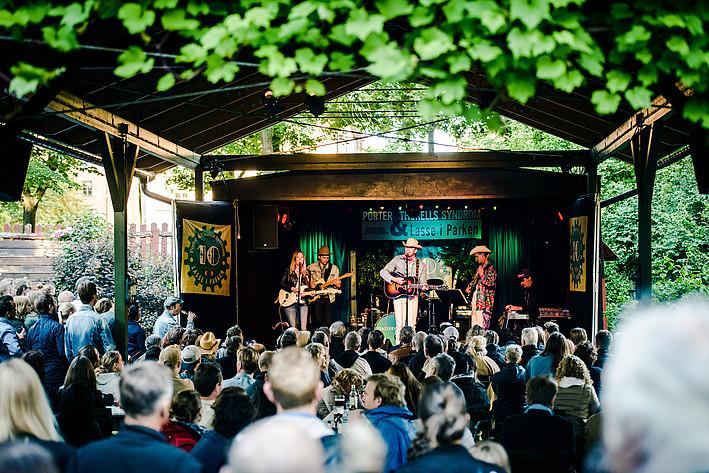 2017-07-05 - Sam Outlaw spelar på Lasse i parken, Stockholm