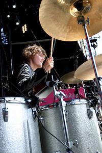 2004-06-27 - The (International) Noise Conspiracy spelar på Hurricane - Southside, Hamburg