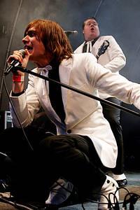 2004-07-06 - The Hives spelar på Accelerator Malmö, Malmö