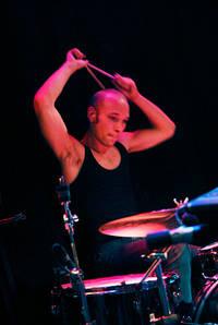 2006-10-26 - Kristian Anttila spelar på Kafé 44, Stockholm