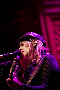 2007-10-30 - Lucinda Williams spelar på Berns, Stockholm