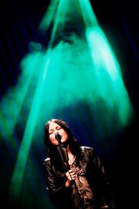 2009-09-26 - Anna Maria Espinosa spelar på Liseberg taubescenen, Göteborg