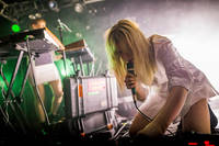 2015-11-05 - Susanne Sundfør spelar på Debaser Hornstulls Strand, Stockholm